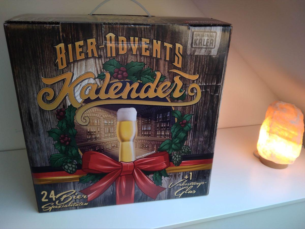 Blick auf den klassischen Bier Adventskalender von Kalea